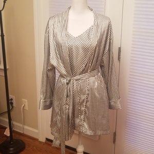 2 piece Victoria's Secret kimono/Robe Small